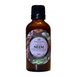 El Aceite de Neem se obtiene de la presión en frío de las semillas de los árboles de Neem que crecen mayoritariamente en el sub