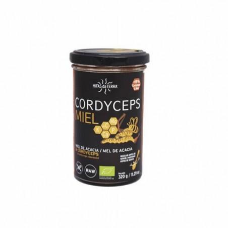 La miel de acacia es una miel de color claro y muy suave al paladar (contiene niveles de glucosa inferiores a los de fructosa).