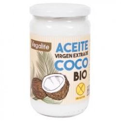 DESCRIPCIÓN DEL PRODUCTO El aceite de coco es un aceite vegetal crudo. Se trata de una sustancia grasa que contiene cerca de