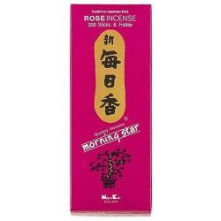 La rosa es la reina del perfume. Su aroma produce sensación de amistad y paz. Calma las tensiones, purifica nuestros pensamient