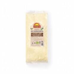 La harina de garbanzo es un tipo de harina que se obtiene a partir de la trituración de garbanzos secos, ideal por sus benefici