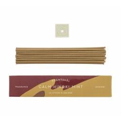 Fragancia fresca y clara de menta e hinoki que revela la dulzura de la madera a través de una nota serena de limón.  Incienso