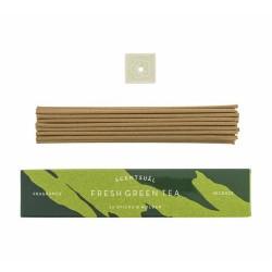 Fragancia de matcha recién hecho que resalta la nota verde de las hojas de té a través de un aroma floral de jazmín.  Inciens