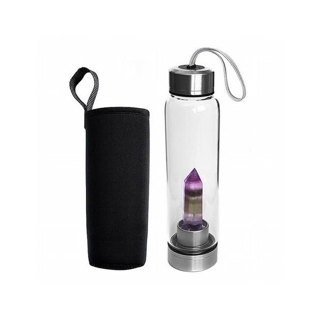 Botella de vidrio con una punta de Fluorita Multicolor en su interior bien sujeta a la base.  Tapón de rosca de acero con un
