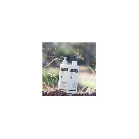AGUA MICELAR LABNATUR BIO  El Agua Micelar Labnatur Bio ayuda a dejar la piel limpia, suave, hidratada y con una agradable se