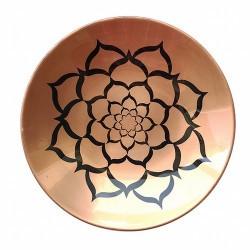 Plato de cobre con dibujo interior grabado.Tiene diversas utilizaciones,decorativo, e incluso como quemador de carbones aromati