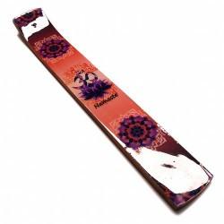 Incensario de madera esmaltado con el símbolos OM.  Medida: 26 x 3,7 cm. Grosor: 0,7 cm