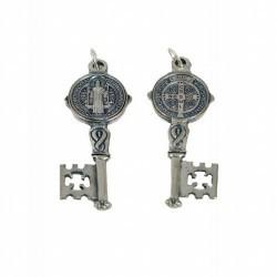 Amuleto Llave San Benito Mini Plateada con oracion (3.5 x 1,2 cm) Ref.: AM0607