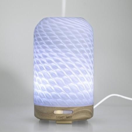 El difusor ultrasónico Omelia combina la aromaterapia con la humidificación del aire y le permite crear una agradable atmósfera