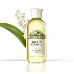El agua de Colonia de Corpore Sano contiene aceites esenciales naturales obtenidos de flores aromáticas y de frutos cítricos. A