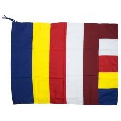 60 x 80 cm. Algodón 100% Made in : Nepal La bandera budista es un símbolo de fe y de paz. Fue diseñada en 1885 en Colombo, S